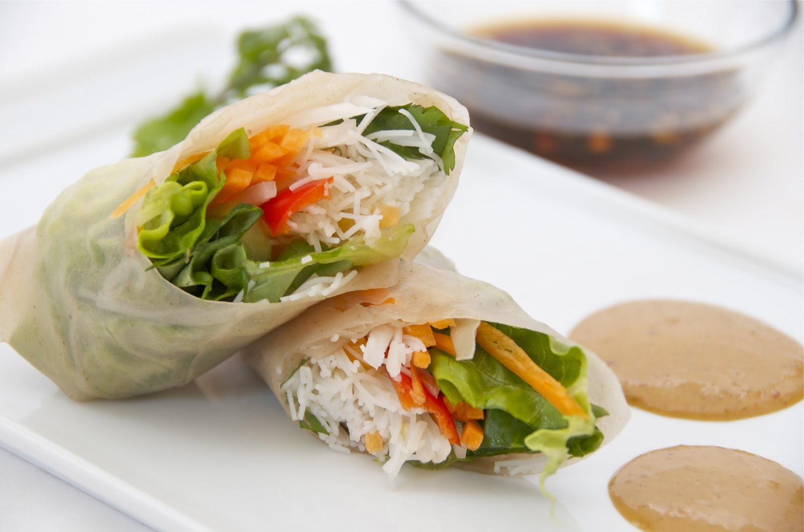 Vegetable Spring rolls with Spicy Peanut Sauce and Garlic Sauce ...